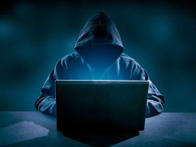 hacker in azione