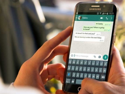 Molti dipendenti inviano comunicazioni di lavoro tramite WhatsApp
