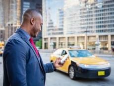 Uno studio getta ombre sull'algoritmo di Uber: «prezzi più alti ai viaggiatori di colore»