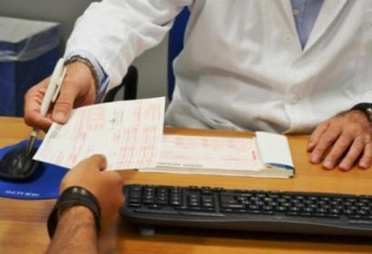 Il medico che assiste anziani in una Rsa a chi può legittimamente fornire informazioni sul loro stato di salute?